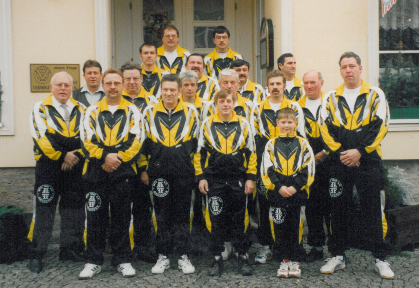 1998-Verein-mit-Sponsor